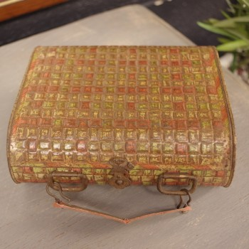 SOLD-Huntley and Palmer Biscuit Tin