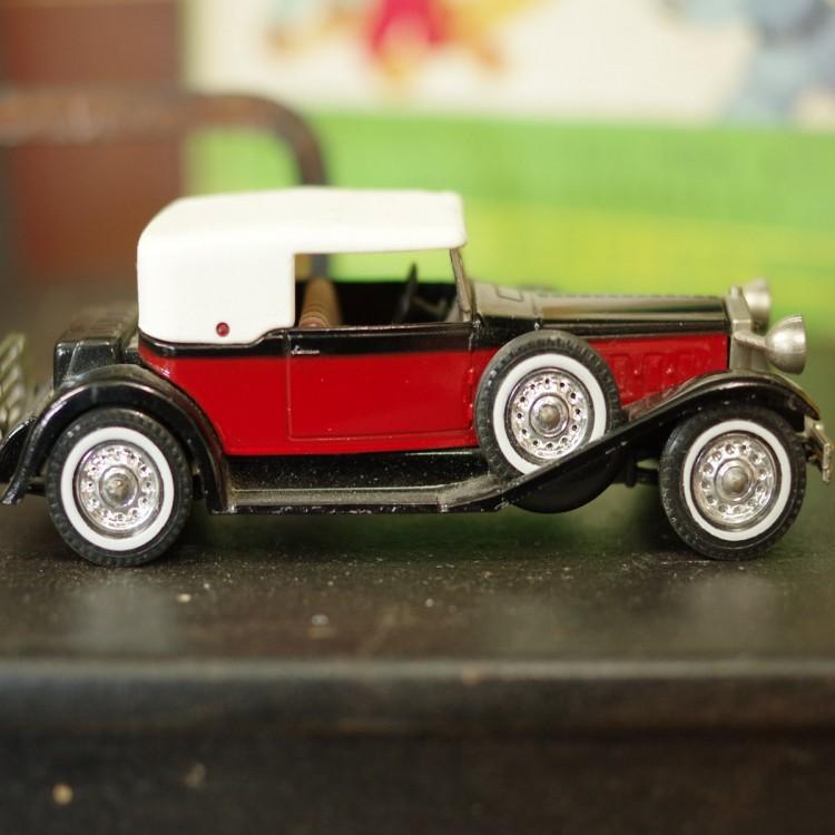 Vintage style Car